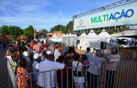Multia��o retorna a V�rzea Grande com o 'Guarda-roupa Solid�rio'