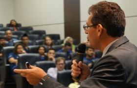 Fatec Senai MT realiza palestras em alusão ao Dia do Profissional da Logística e de Recursos Humanos