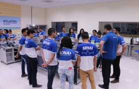 Quanto mais conhecem, mais brasileiros aprovam SESI e SENAI, segundo pesquisa do Ibope