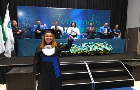 Estudantes comemoram emprego e oportunidades de carreira em Mato Grosso