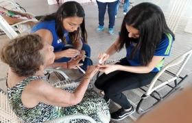 Estudantes do Sesi Senai realizam ação social no Abrigo Bom Jesus de Cuiabá