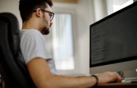Fatec Senai MT realiza live para explicar carreira do profissional desenvolvedor 'Full Stack'