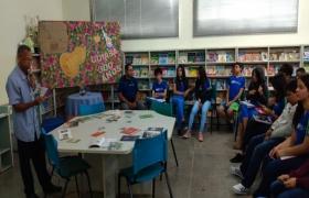 Roda de conversa com alunos do Sesi Escola sobre arte cuiabana